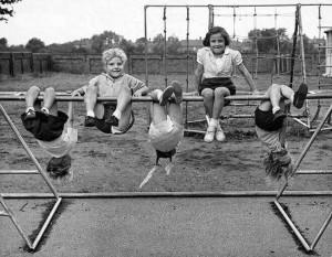 психолог готовил родителей к детской площадке